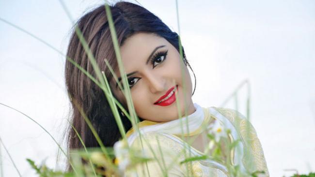 Pori Moni smiles as 'Rokto' abuzz with box office