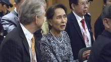 Amnesty strips Myanmar leader Suu Kyi of top prize