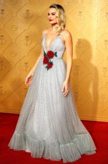 Margot Robbie to play Barbie